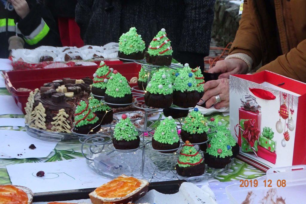 Csehi Boglárka és párja süteményei
